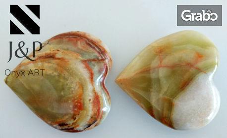 Декоративно сърце от естествен оникс