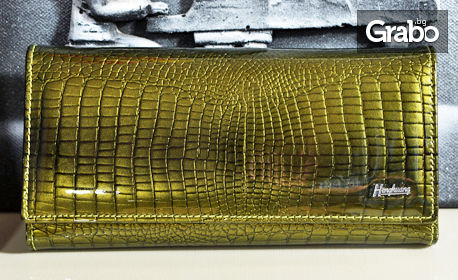 Дамско портмоне от естествена кожа с лак, в цвят по избор