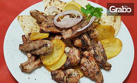 1.25кг Комбо плато с месце на BBQ, пържени картофки и пърленка