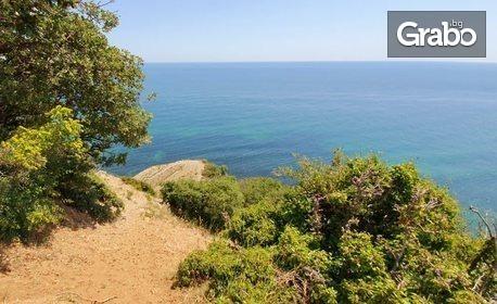 Целодневно панорамно офроуд приключение с 4х4 микробус по склона на Стара планина - от Елените, през нос Емине до Иракли, плюс следобеден плаж на Иракли