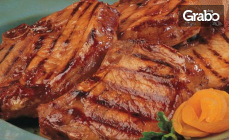 1310гр вкусно плато! Свински вратни каренца, пилешки хапки, пикантни картофи чеснов сос
