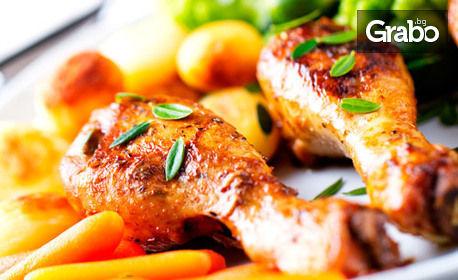 1610гр плато - пикантни бутчета, пилешки крилца, картофки и чеснов сос